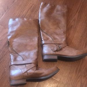 Women's brown boots